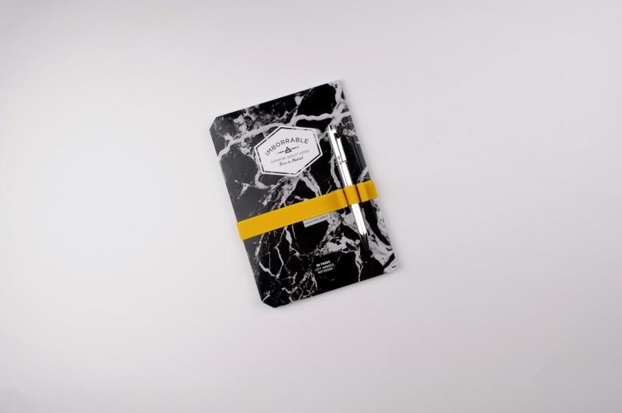 Zuaderno-Mármo-Negro-con-elástico-Imborrable
