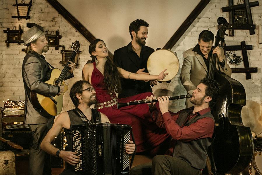 Terminamos el evento con un concierto de  BGKO – Barcelona Gipsy Klezmer Orchestra
