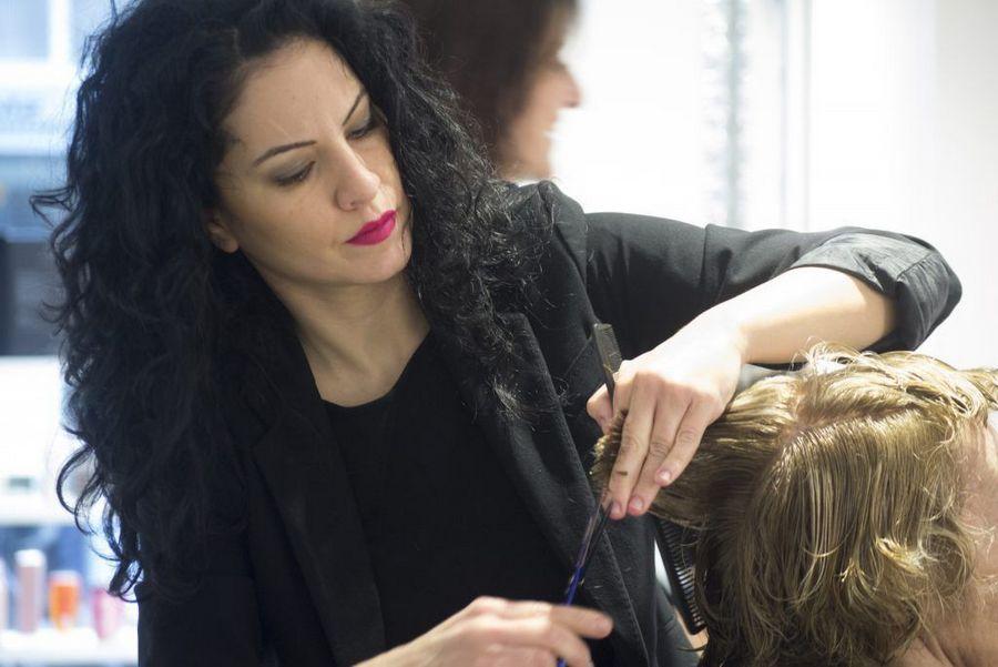2-peluqueria-barcelona-peluquera-1024x683-1