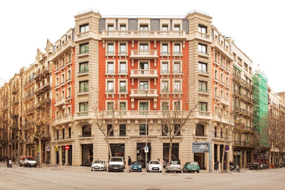 1-The Corner Hotel