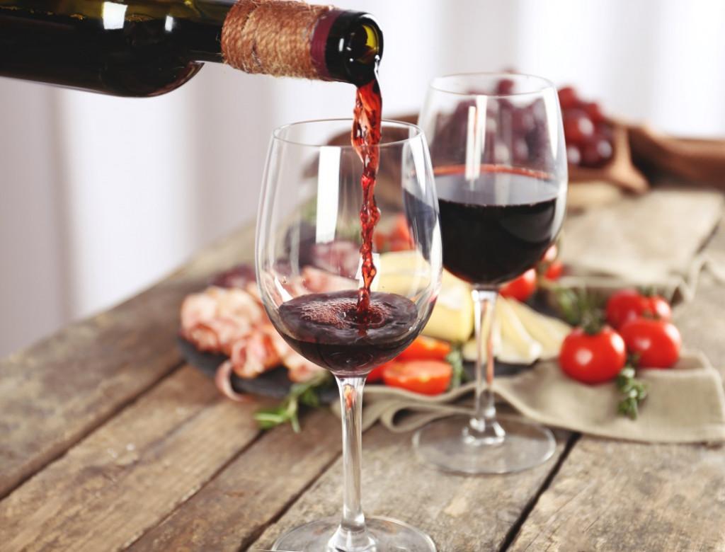 degustación-de-vinos-en-Valencia-cata-con-comida-1024x780